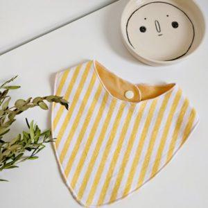 Bandana jaune bébé écoresponsable tata samedi upcycling